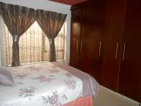 Bed Room 2 - 19 square meters of property in Dobsonville
