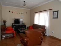 Lounges - 18 square meters of property in Georginia