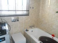 Bathroom 1 - 6 square meters of property in Whitney Gardens