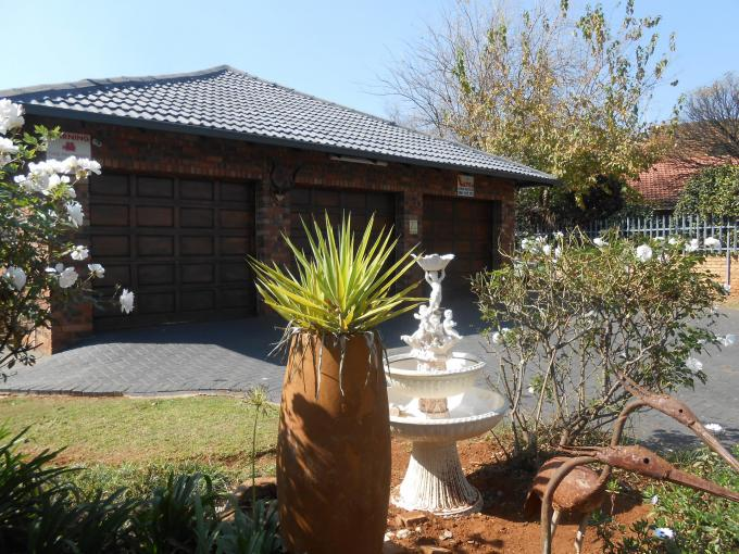 6 Bedroom House for Sale For Sale in Randfontein - Home Sell - MR143617