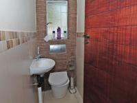 Bathroom 1 - 8 square meters of property in Waterkloof Ridge