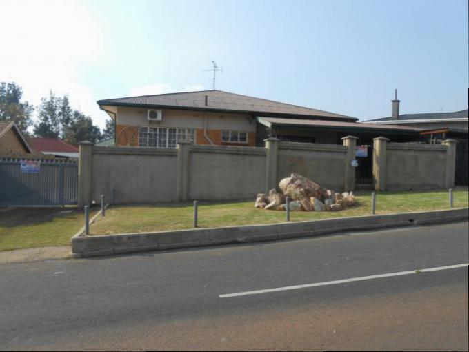 Standard Bank EasySell 4 Bedroom House for Sale in Krugersdorp - MR143728