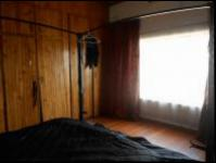 Main Bedroom - 27 square meters of property in Krugersdorp
