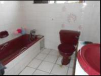 Bathroom 2 - 11 square meters of property in Krugersdorp