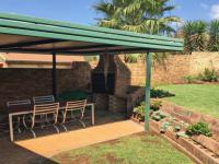 Patio - 22 square meters of property in Highveld