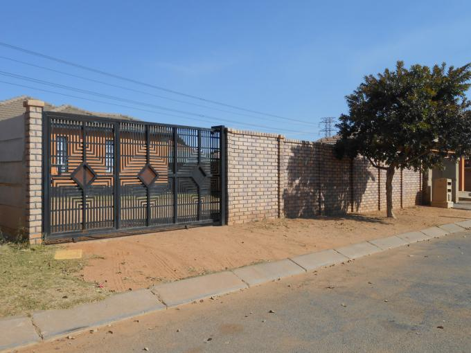 Standard Bank EasySell 3 Bedroom House for Sale in Goudrand - MR143888