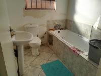 Bathroom 1 - 5 square meters of property in Goudrand