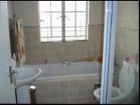 Bathroom 1 - 6 square meters of property in Castleview