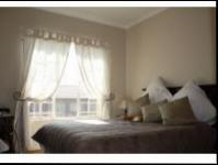 Bed Room 1 - 11 square meters of property in Castleview