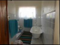 Bathroom 1 - 10 square meters of property in Krugersdorp