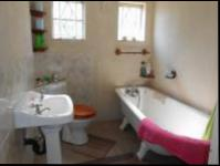 Main Bathroom - 7 square meters of property in Krugersdorp