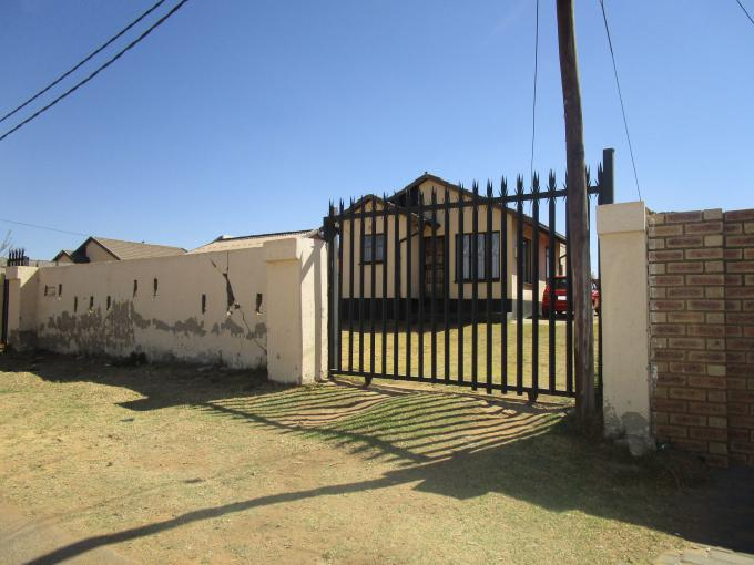 Standard Bank EasySell 2 Bedroom House for Sale For Sale in Bram Fischerville - MR144353