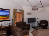 Lounges - 38 square meters of property in Safari Tuine