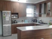 Kitchen - 22 square meters of property in George East