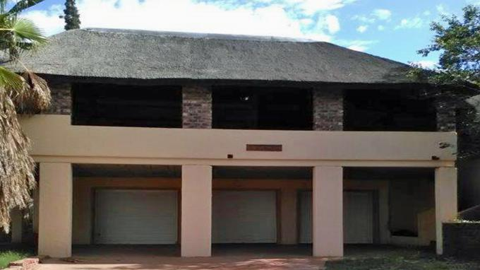 7 bedroom house. Standard Bank Repossessed 7 Bedroom House for Sale on online auction in  Hartswater MR144459