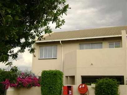 2 Bedroom Apartment To Rent in Sundowner - Private Rental - MR14449