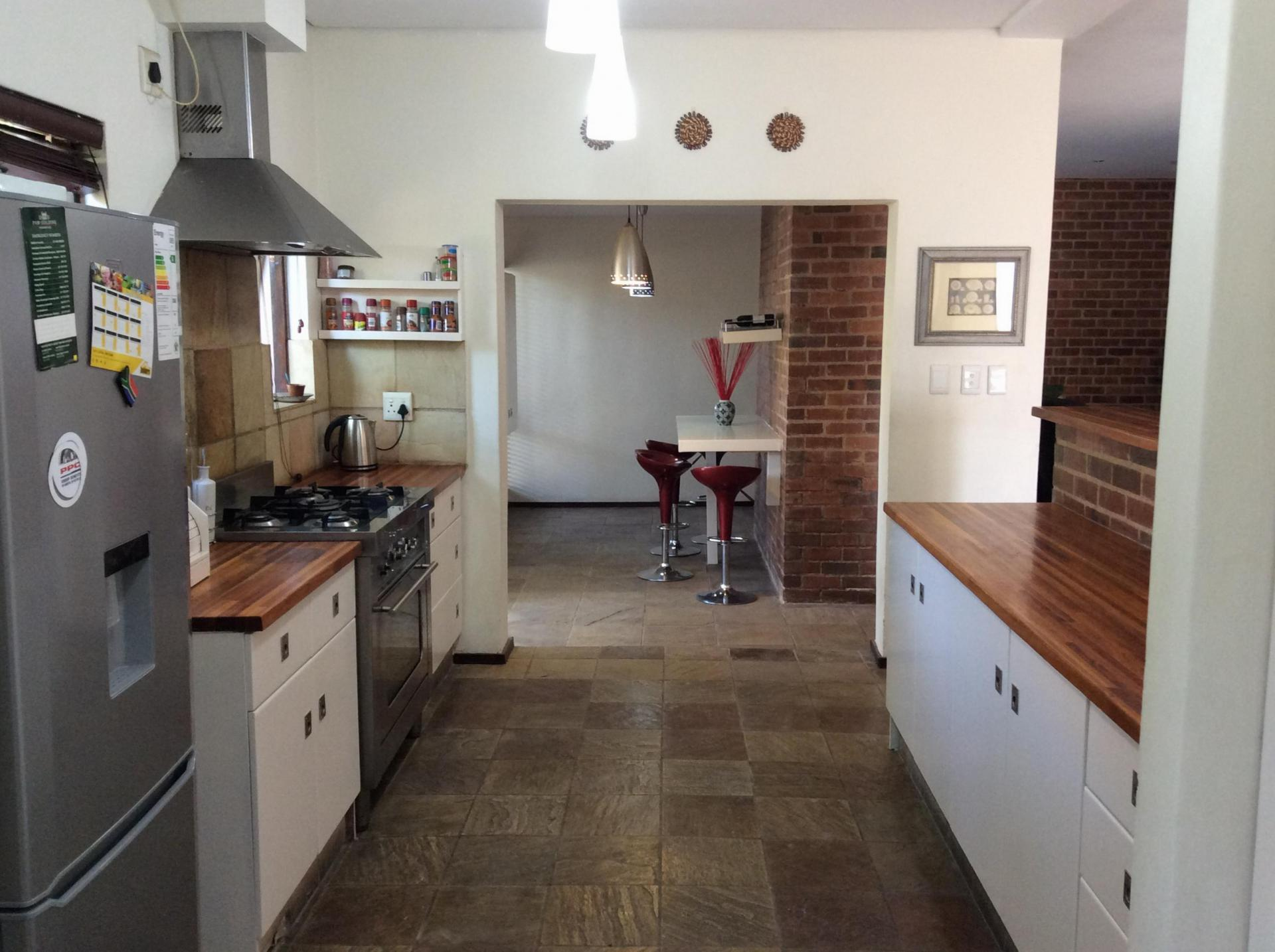 6 bedroom house for sale for sale in dainfern home sell for Kitchen fitters gauteng