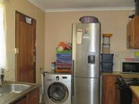 Kitchen - 14 square meters of property in Dawn Park