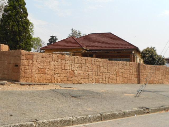 Standard Bank Repossessed 3 Bedroom House for Sale on online auction in Germiston - MR14467