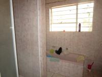 Bathroom 1 - 8 square meters of property in Mayfield Park