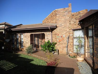 3 Bedroom House for Sale For Sale in Spruitview - Private Sale - MR14492