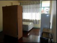 Bed Room 1 - 18 square meters of property in Berea - JHB