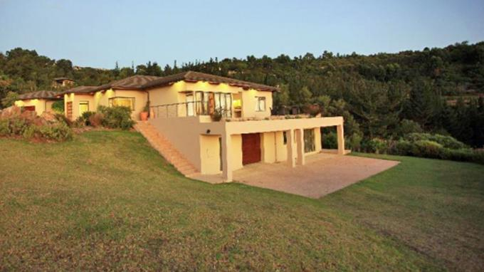 3 Bedroom House for Sale For Sale in Simola Golf and Country Estate - Private Sale - MR144994