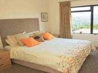Main Bedroom - 22 square meters of property in Simola Golf and Country Estate