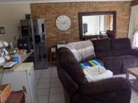 Lounges - 32 square meters of property in Bronkhorstspruit