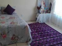 Main Bedroom - 18 square meters of property in Rustenburg