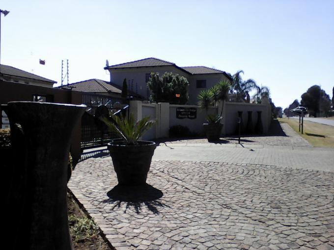 Standard Bank EasySell 3 Bedroom House for Sale in Sonneveld - MR145362