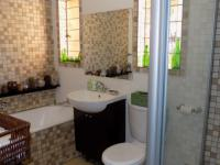 Main Bathroom - 7 square meters of property in Garsfontein