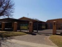 10 Bedroom 9 Bathroom Guest House for Sale for sale in Emalahleni (Witbank)