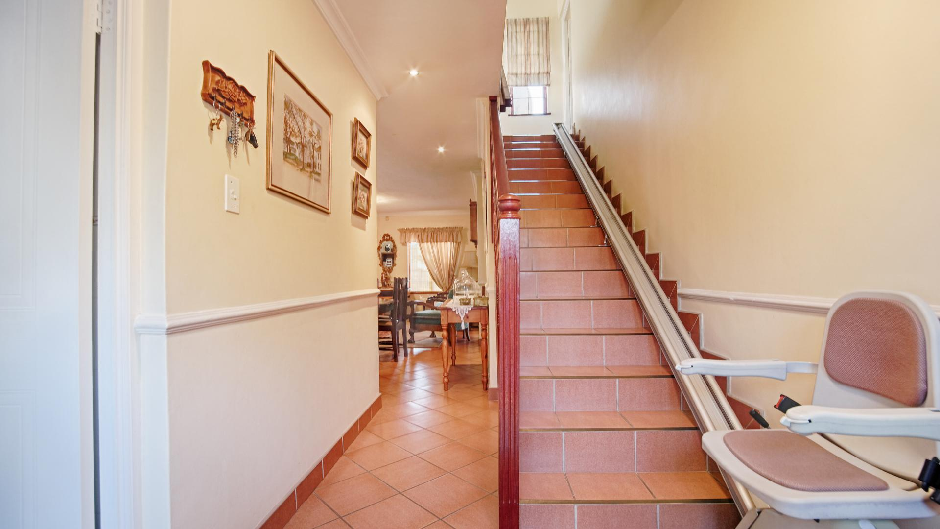 Spaces - 33 square meters of property in Woodhill Golf Estate
