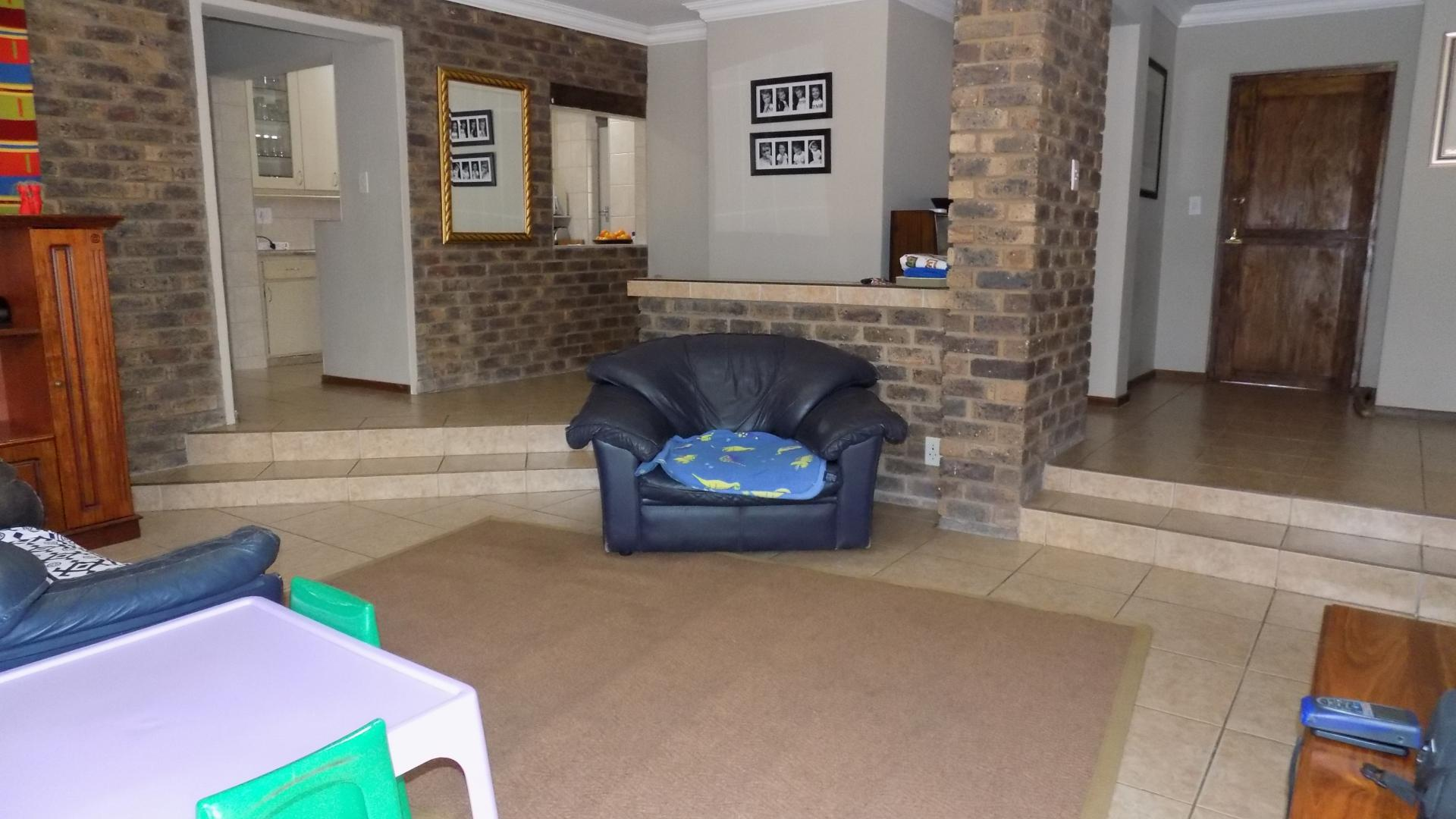5 Bedroom House For Sale For Sale In Faerie Glen Home