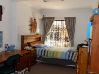 Bed Room 1 - 18 square meters of property in Faerie Glen