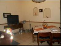 Dining Room - 14 square meters of property in Farrarmere