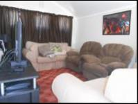 Lounges - 14 square meters of property in Bryanston