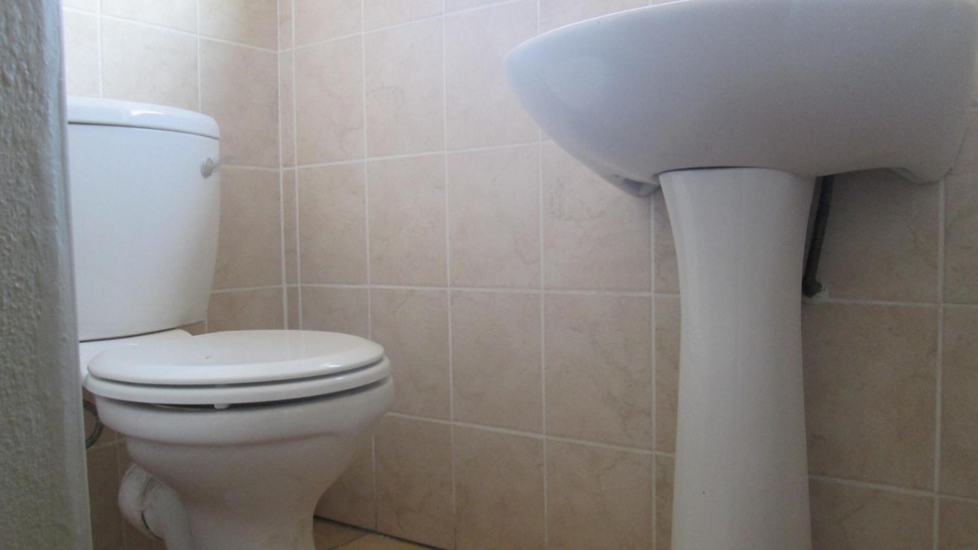 2 Bedroom Sectional Title for Sale For Sale in Vanderbijlpark - Home ...
