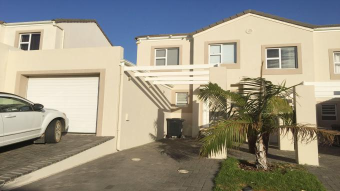 2 Bedroom Duplex for Sale For Sale in Somerset West - Private Sale - MR146373
