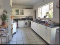 Kitchen - 42 square meters of property in Randburg