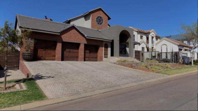4 Bedroom House for Sale For Sale in Rietvlei Heights Country Estate - Private Sale - MR146674