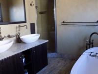 Bathroom 1 - 10 square meters of property in Rietvlei Heights Country Estate