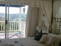 Main Bedroom - 19 square meters of property in Knysna