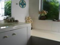 Main Bathroom - 8 square meters of property in Knysna