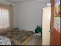 Bed Room 5+ - 63 square meters of property in Grove End