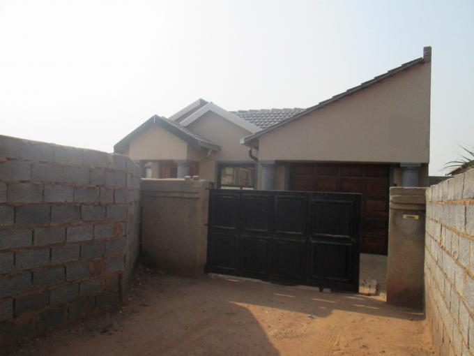 3 Bedroom House for Sale For Sale in Roodekop - Private Sale - MR147390