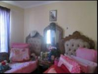 Bed Room 1 - 9 square meters of property in Roodekop
