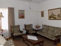 Lounges - 22 square meters of property in Claremont