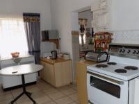 Kitchen - 17 square meters of property in Claremont